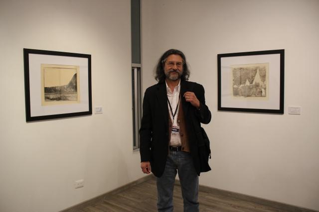 Roberto Fernandez Ibáñez at his exhibition