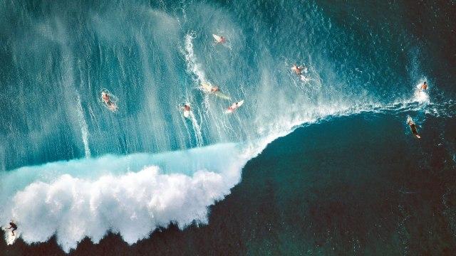 surfers_009-alex-maclean-theredlist